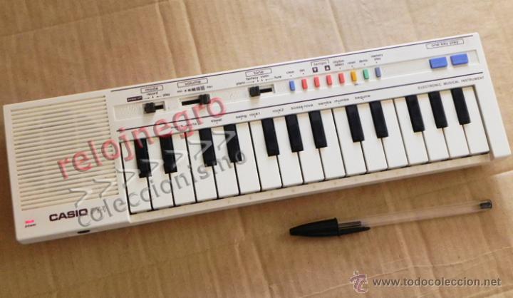 TECLADO CASIO PT-1 BLANCO INSTRUMENTO MUSICAL - NO FUNCIONA MÚSICA AÑOS 80 VINTAGE RETRO PT1 MÁQUINA (Música - Instrumentos Musicales - Teclados Eléctricos y Digitales)
