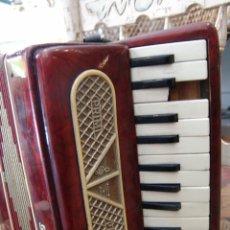 Instrumentos musicales: ANTIGUO ACORDEÓN PEQUEÑO. Lote 41686176