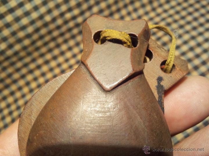 Instrumentos musicales: castañuelas antiguas colegio niño..años 30 -40 rojigualda .olesa montserrat - Foto 2 - 42568630