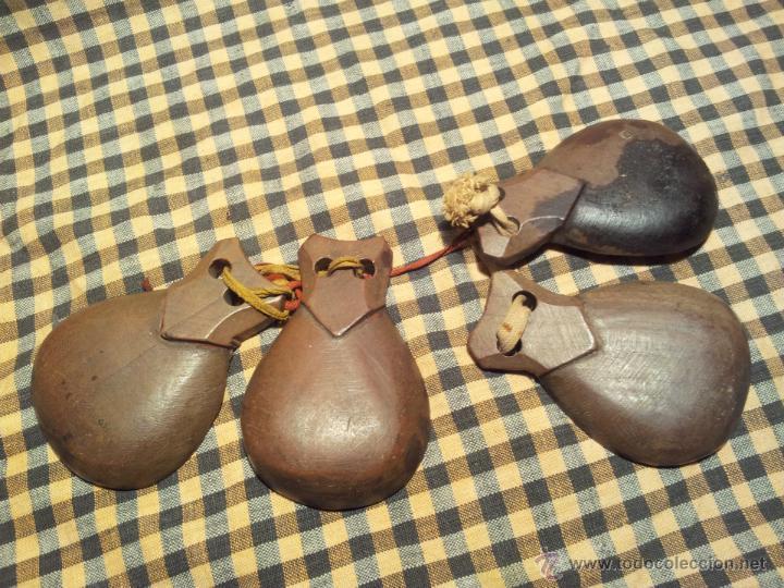 Instrumentos musicales: castañuelas antiguas colegio niño..años 30 -40 rojigualda .olesa montserrat - Foto 4 - 42568630