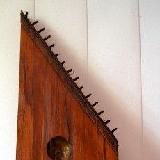 Instrumentos musicales: BELLISIMA Y ANTIGUA CITARA. Lote 44172118