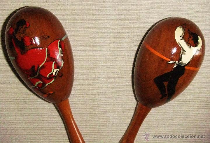 Instrumentos musicales: JUEGO DE MARACAS DE MADERA CON FIGURAS DE BAILAOR Y SEVILLANA PINTADOS - Foto 2 - 44725700