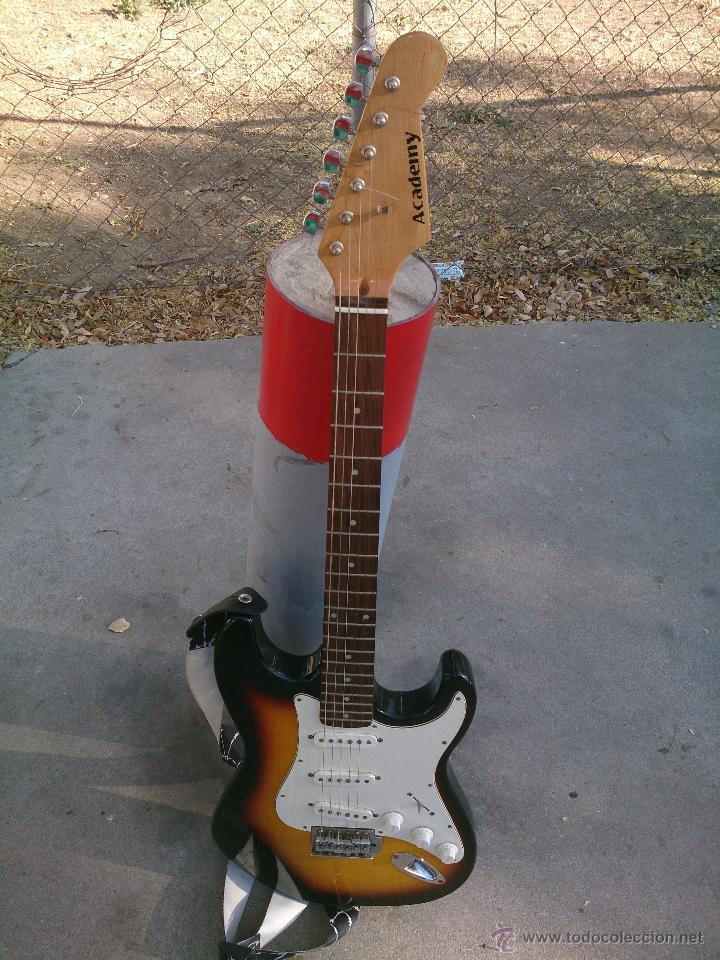 GUITARRA ELECTRICA ACADEMY (Música - Instrumentos Musicales - Guitarras Antiguas)