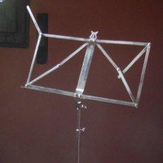 Instrumentos musicales: ATRIL DE ACERO PLEGABLE, PROFESIONAL MUY BIEN CONSERVADO.. Lote 45909305