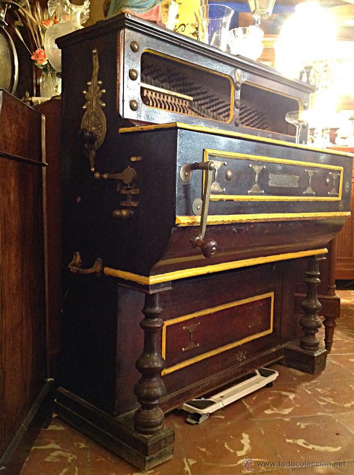 ORGANILLO DE MANUBRIO LUIS CASALI DE 1900 APROX FUNCIONA (Música - Instrumentos Musicales - Cuerda Antiguos)
