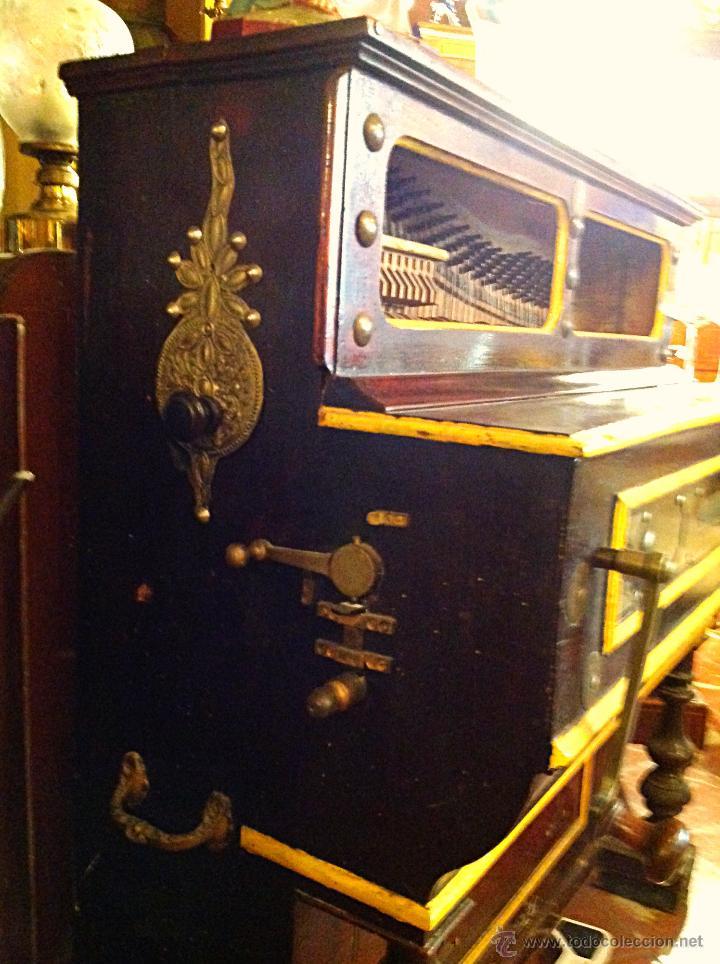 Instrumentos musicales: ORGANILLO DE MANUBRIO LUIS CASALI DE 1900 APROX FUNCIONA - Foto 2 - 45931429