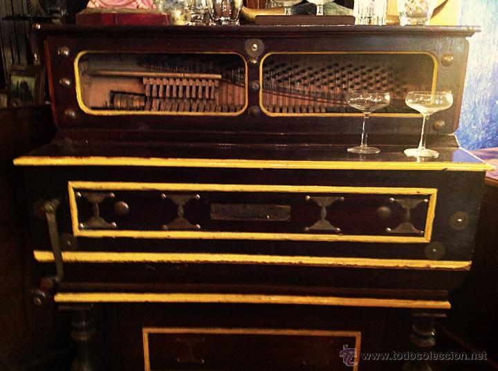 Instrumentos musicales: ORGANILLO DE MANUBRIO LUIS CASALI DE 1900 APROX FUNCIONA - Foto 4 - 45931429
