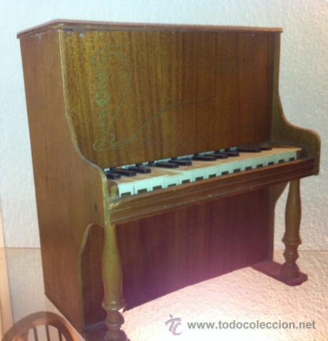ANTIGUO PIANO DE MADERA DE JUGUETE ,ODEON IMPORTANTE MARCA MUSICAL. (Música - Instrumentos Musicales - Pianos Antiguos)