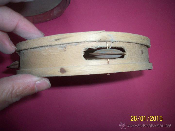 Instrumentos musicales: TRIO DE ANTIGUA PANDERETAS DE MADERA CON DECORACION DE TOREROS - Foto 3 - 111533446