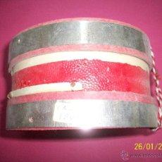 Instrumentos musicales: ANTIGUO PEQUEÑO TAMBOR CON PIEL. Lote 47668563