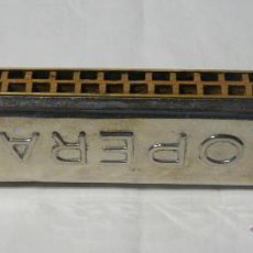 Instrumentos musicales: HARMONICA ANTIGUA MADERA Y METAL - OPERA , MADE IN POLAND. Lote 48324935