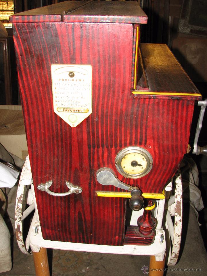 Instrumentos musicales: Antiguo organillo de manivela. - Foto 2 - 48686911