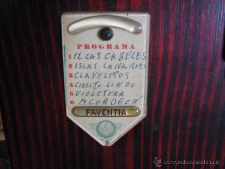 Instrumentos musicales: Antiguo organillo de manivela. - Foto 3 - 48686911