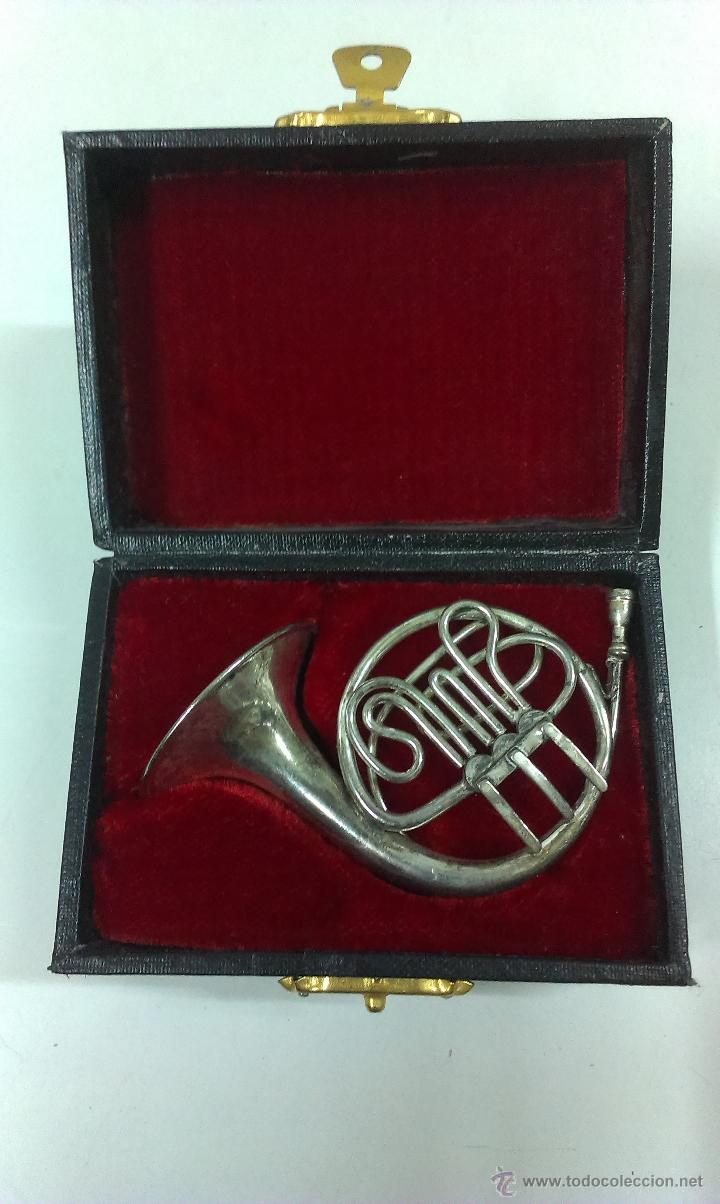 TROMPA EN MINIATURA . PIEZA DE COLECCION CON SU ESTUCHE ORIGINAL (Música - Instrumentos Musicales - Viento Metal)