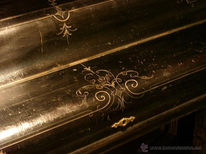 Instrumentos musicales: PIANO ANTIGUO MARCA RONISCH. AÑO 1880. CLAVIJERO METÁLICO. - Foto 2 - 49642944