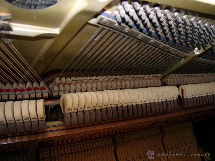 Instrumentos musicales: PIANO ANTIGUO MARCA RONISCH. AÑO 1880. CLAVIJERO METÁLICO. - Foto 3 - 49642944