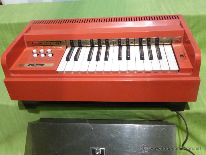 ÓRGANO ELÉCTRICO VINTAGE MAGNUS MAJOR ROJO - ORIGINAL AÑO 1969 - FABRICADO EN BÉLGICA-FUNCIONANDO (Música - Instrumentos Musicales - Pianos Antiguos)
