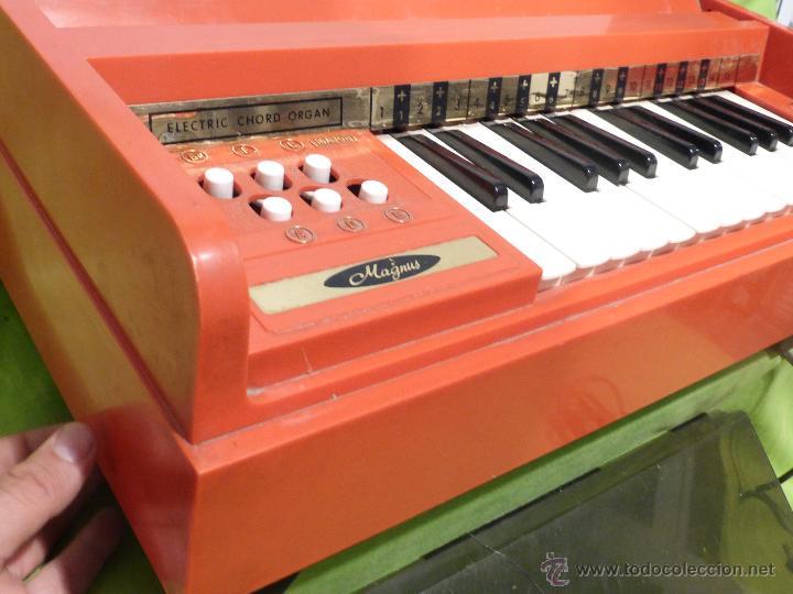 Instrumentos musicales: ÓRGANO ELÉCTRICO VINTAGE MAGNUS MAJOR ROJO - ORIGINAL AÑO 1969 - FABRICADO EN BÉLGICA-FUNCIONANDO - Foto 5 - 50737736