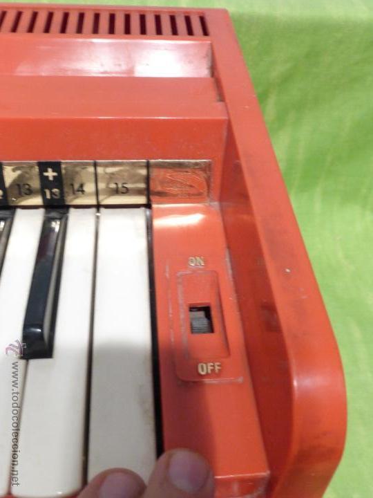 Instrumentos musicales: ÓRGANO ELÉCTRICO VINTAGE MAGNUS MAJOR ROJO - ORIGINAL AÑO 1969 - FABRICADO EN BÉLGICA-FUNCIONANDO - Foto 9 - 50737736
