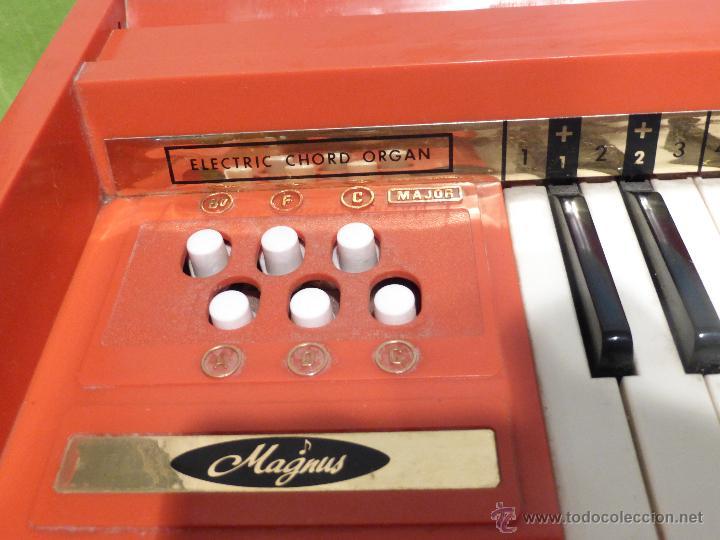Instrumentos musicales: ÓRGANO ELÉCTRICO VINTAGE MAGNUS MAJOR ROJO - ORIGINAL AÑO 1969 - FABRICADO EN BÉLGICA-FUNCIONANDO - Foto 10 - 50737736