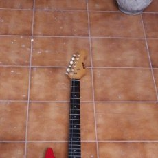 Instrumentos musicales: GUITARRA ELECTRICA. Lote 50988826