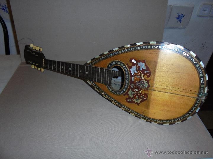 ANTIGUA MANDOLINA - DIFERENTES MADERAS , MARQUETERIAS , NACAR ( MADRE PERLA ) HUESO ETIQUETA INTERIO (Música - Instrumentos Musicales - Cuerda Antiguos)