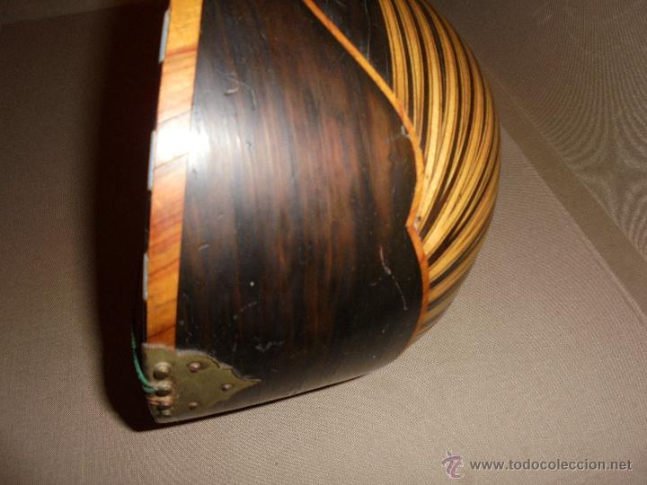 Instrumentos musicales: ANTIGUA MANDOLINA - DIFERENTES MADERAS , MARQUETERIAS , NACAR ( MADRE PERLA ) HUESO ETIQUETA INTERIO - Foto 10 - 51029313