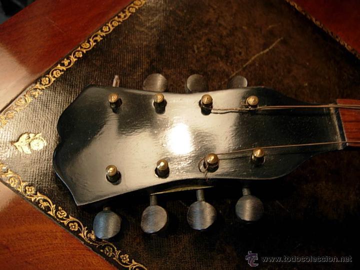 Instrumentos musicales: FANTASTICA MANDOLINA DE MADERA DE PALISANDRO Y NACAR CON SU CAJA - Foto 5 - 52699940