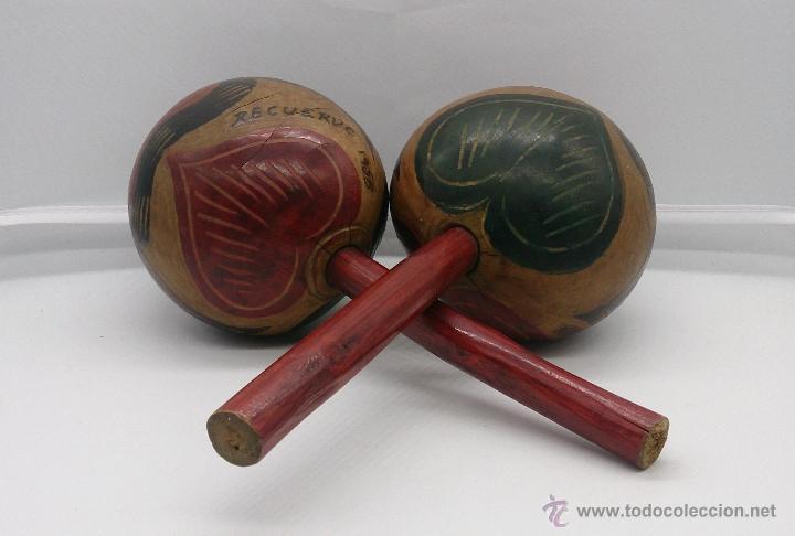 MARACAS ANTIGUAS INDIGENAS DE COLOMBIA, HECHAS Y POLICROMADAS A MANO, AÑOS 50 (CARTAGENA DE INDIAS). (Música - Instrumentos Musicales - Percusión)