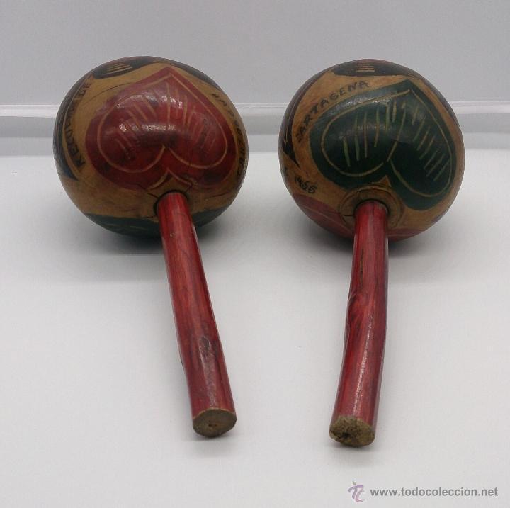 Instrumentos musicales: Maracas antiguas indigenas de Colombia, hechas y policromadas a mano, años 50 (Cartagena de Indias). - Foto 2 - 53577771