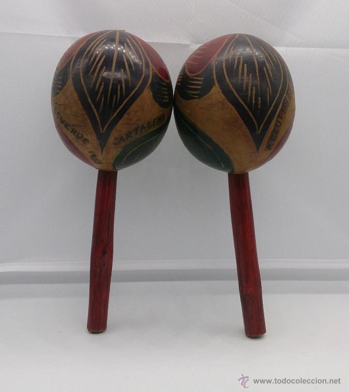 Instrumentos musicales: Maracas antiguas indigenas de Colombia, hechas y policromadas a mano, años 50 (Cartagena de Indias). - Foto 5 - 53577771