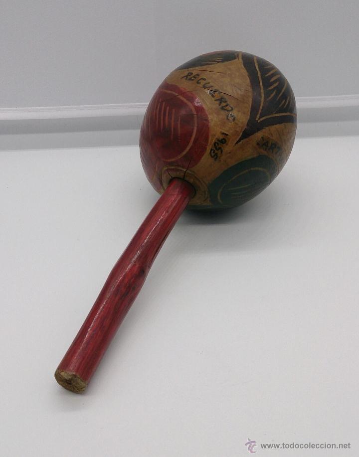 Instrumentos musicales: Maracas antiguas indigenas de Colombia, hechas y policromadas a mano, años 50 (Cartagena de Indias). - Foto 9 - 53577771