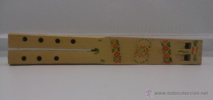 Instrumentos musicales: Flauta antigua doble en madera de estilo arte etnográfico pastoril , ( BULGARIA ). - Foto 2 - 87548807