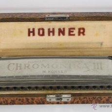 Instrumentos musicales: HARMONICA HOHNER. CHROMONICA III. ESTUCHE DE MADERA ORIGINAL. MED S XX.. Lote 45621159