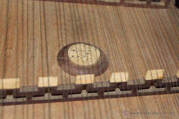 Instrumentos musicales: zitara siglo XIX con piezas en marfil - Foto 3 - 54874353