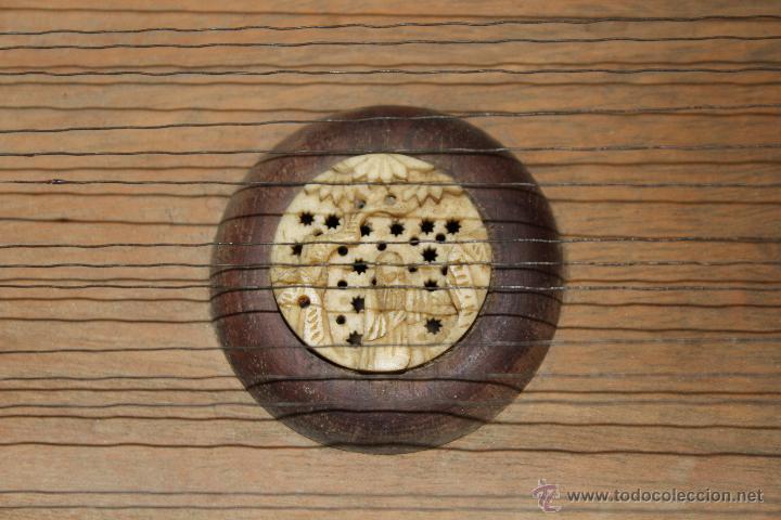 Instrumentos musicales: zitara siglo XIX con piezas en marfil - Foto 10 - 54874353