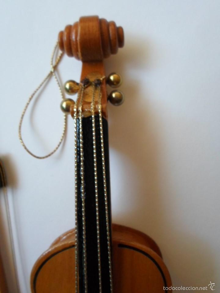 Instrumentos musicales: VIOLIN DE JUGUETE O DE COLECCION- MADERA - 18 CM - REINO UNIDO - Foto 2 - 56079524