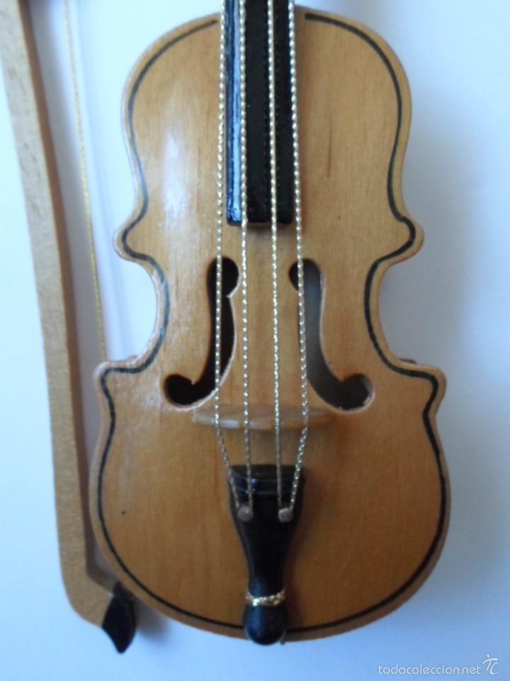 Instrumentos musicales: VIOLIN DE JUGUETE O DE COLECCION- MADERA - 18 CM - REINO UNIDO - Foto 3 - 56079524