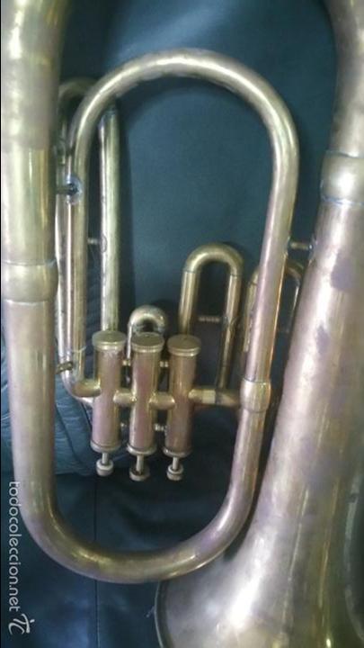 Instrumentos musicales: BONITA REPLICA DE TUBA DE METAL. - Foto 3 - 232296025
