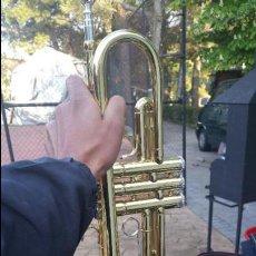 Instrumentos musicales: ESPECTACULAR TROMPETA DE METAL. LA MARCA APARECE EN FOTOS.. Lote 56857328