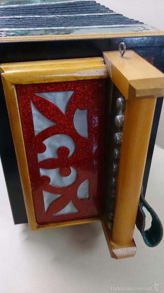 Instrumentos musicales: Acordeon ruso en madera - Foto 3 - 57726419