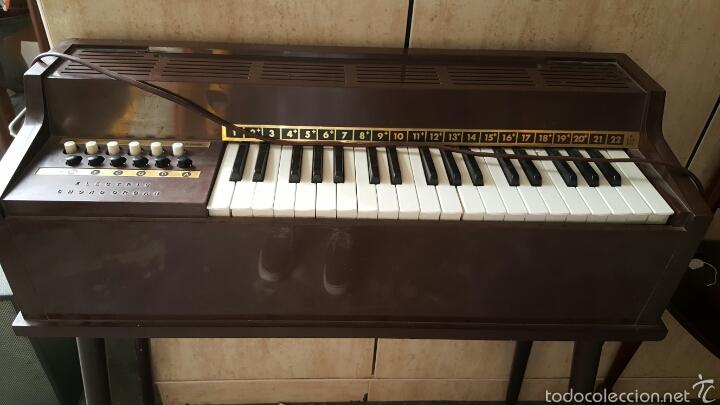 Instrumentos musicales: Organo minor bb electric chord organ - Foto 2 - 57924546