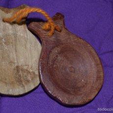 Instrumentos musicales: CASTAÑUELAS DE MADERA-SÓLO UN PAR DE ELLAS.. Lote 58113311
