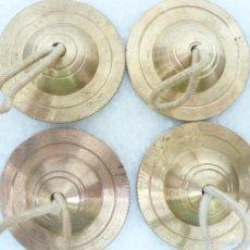Instrumentos musicales: JUEGO DE 4 CRÓTALOS O PLATILLOS DE DEDO DE BRONCE O LATÓN. Lote 69477403