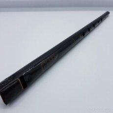 Instrumentos musicales: FLAUTA ANTIGUA DE HOJALATA ESMALTADA EN NEGRO, MARCA CLARKE, AÑOS 40, INGLATERRA .. Lote 58502801