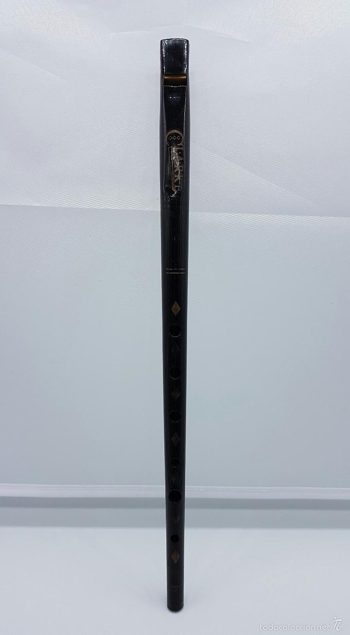 Instrumentos musicales: Flauta antigua de hojalata esmaltada en negro, marca CLARKE, años 40, Inglaterra . - Foto 2 - 58502801