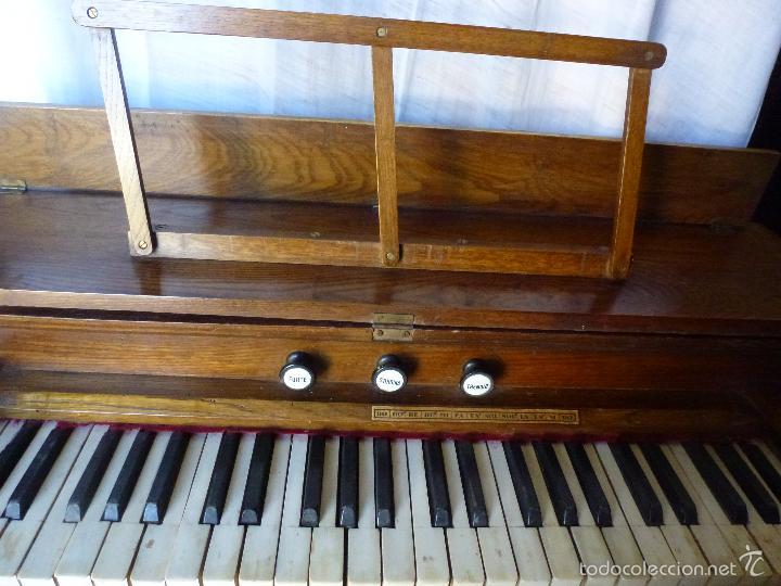 Instrumentos musicales: Antiguo órgano, armonio de iglesia - Foto 2 - 59109715