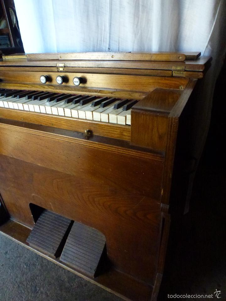 Instrumentos musicales: Antiguo órgano, armonio de iglesia - Foto 6 - 59109715