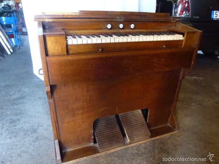 Instrumentos musicales: Antiguo órgano, armonio de iglesia - Foto 11 - 59109715