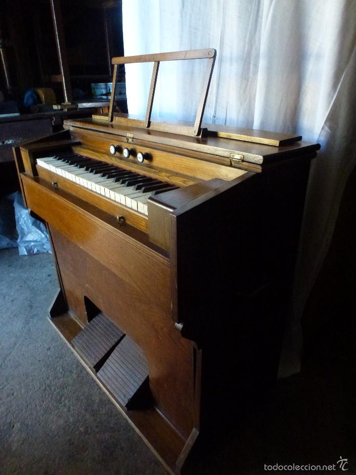 Instrumentos musicales: Antiguo órgano, armonio de iglesia - Foto 14 - 59109715